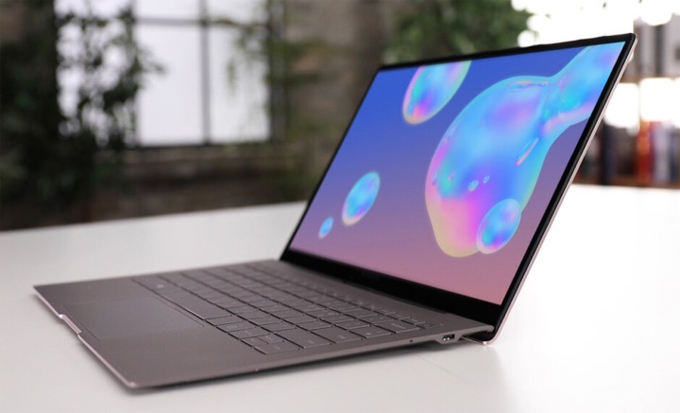 Laptop Galaxy Book S giá 999 USD