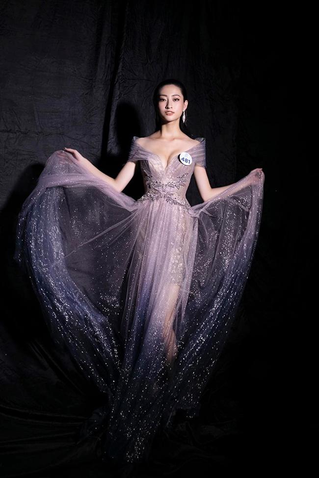 Lương Thùy Linh có hình thể nổi bật tại Hoa hậu Thế giới Việt Nam 2019.