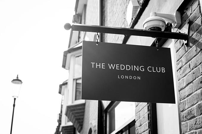Sau sự kiện mở bán tại tiệm đồ cưới Mark Ingram Atilier, New York, ngày 8/8 vừa qua Phuong My Bridal tiếp tục hành trình mang sản phẩm ra nước ngoài bằng việc xuất hiện tại cửa hàng The Wedding Club.