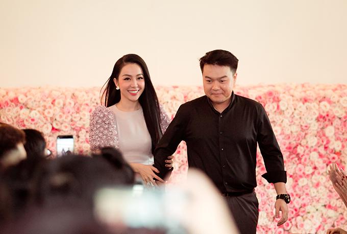 Linh Nga và nhà thiết kế Lê Trung Hậu.