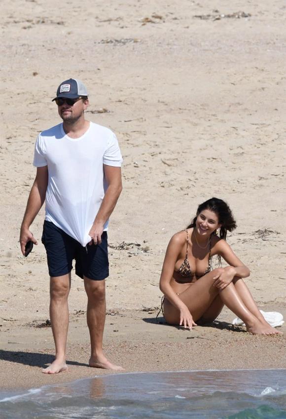 Camila là người mẫu kiêm diễn viên gốc Argentina. Cô gần đây tham gia bộ phim Death Wish cùng tài tử Bruce Willis.