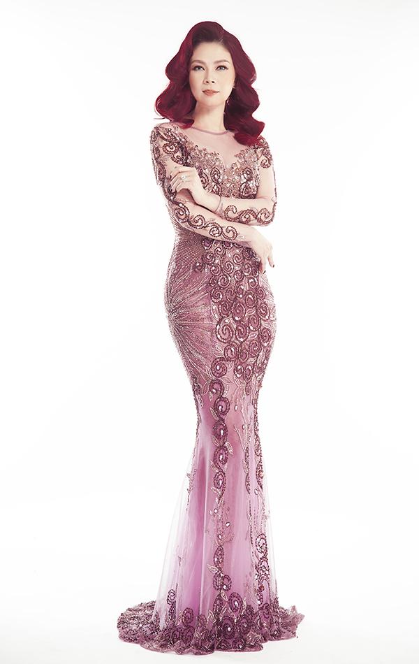 Thanh Thảo khoe nhan sắc tuổi 42 trong bộ ảnh mới được hỗ trợ thực hiện bởinhiếp ảnh Cường Nguyễn, stylist Tân Đà Lạt, trang điểm Trâm Anh, làm lóc Bi Tô, trang phục của nhà thiết kế Hoàng Hải.