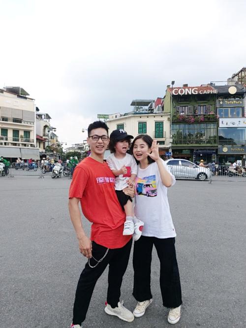 Ba Duy, Nam Thương cover điệu nhảy của Black Pink trên phố Hà Nội