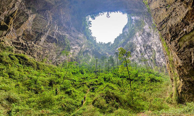 Hang Sơn Đoòng đứng top 5 tour mạo hiểm vĩ đại nhất thế giới - 1