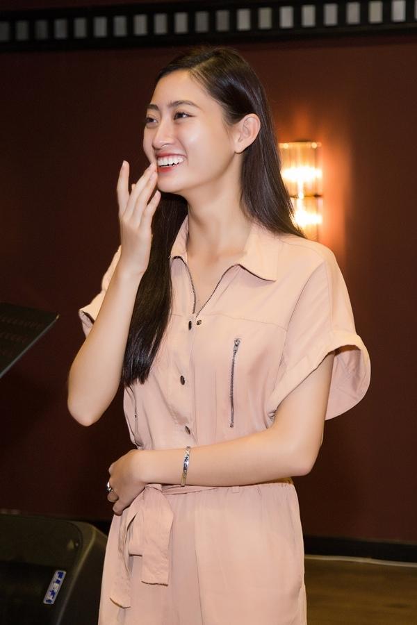 Lương Thùy Linh vừa đăng quang Hoa hậu Thế giới Việt Nam 2019 hôm 3/8. Cô cao 1,78m, là sinh viên Đại học Ngoại thương Hà Nội và được đánh giá xứng đáng với vương miện.