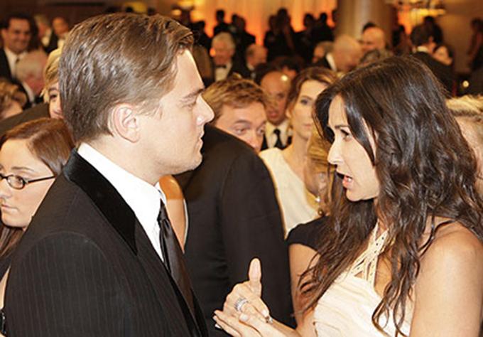 Năm 1997, cuộc hôn nhân của Demi Moore và Bruce Willis tan vỡ. Leo ở bên động viên, dành cho đàn chị hơn 8 tuổi sự quan tâm, chăm sóc nên họ bước vào cuộc tình chóng vánh.