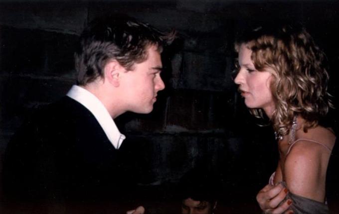 Cùng năm đó, Leonardo được cho là cặp kè 2 tháng với chân dài người Séc Eva Herzigova sau lần cùng xuất hiện ở họp báo phim The Man In The Iron Mask.