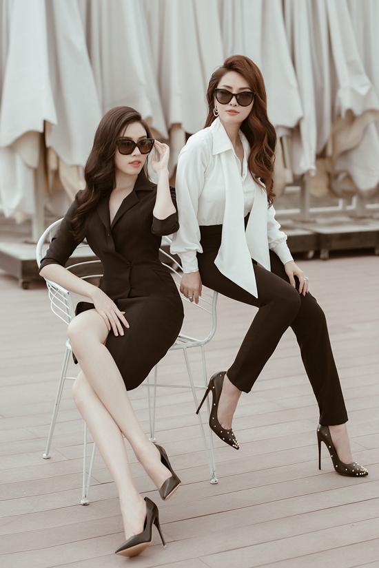 Bộ ảnh được thực hiện với sự hỗ trợ của nhiếp ảnh Phạm Khánh Linh, trang điểm Soll Soll, Lương Thu Hải, người mẫu Thanh Thanh Huyền, Ngọc Anh Anh.  stylist