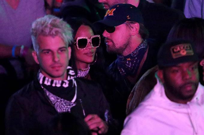 Sau rạn nứt với Kelly Rohrbach, Leo và ca sĩ Rihanna quấn quýt như hình với bóng ở hàng loạt sự kiện. Tin đồn tình cảm của họ xuất hiện trên mặt báo, song thực hư mối quan hệ chưa từng được kiểm chứng.