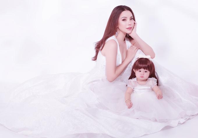Ngoài hoạt động nghệ thuật, Trà Ngọc Hằng đang kinh doanh nhà hàng tại TP HCM.