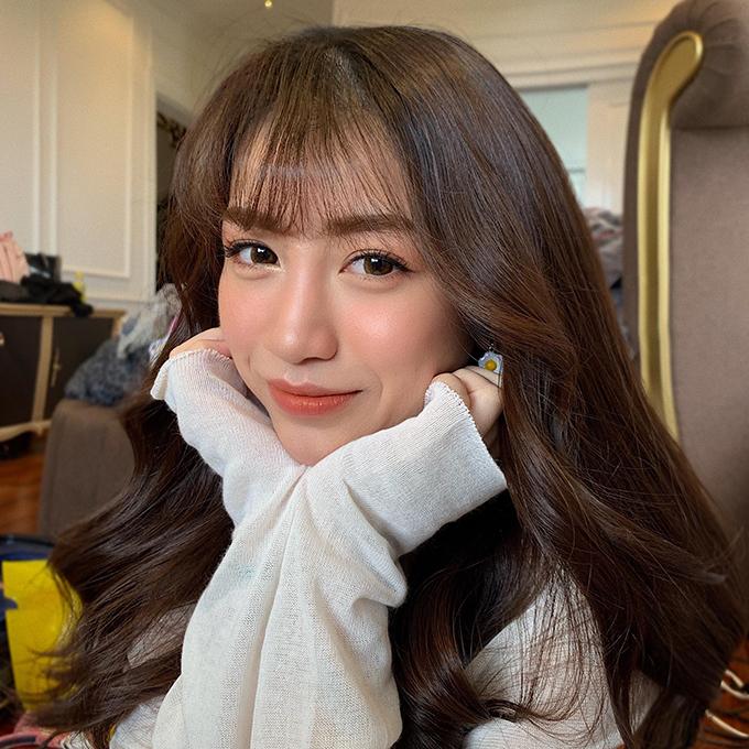 Vì lẽ đó, Ty Lê đã lựa chọn lối makeup Hàn Quốc, mang đến vẻ kiêu sa, trẻ trung cho tân nương.