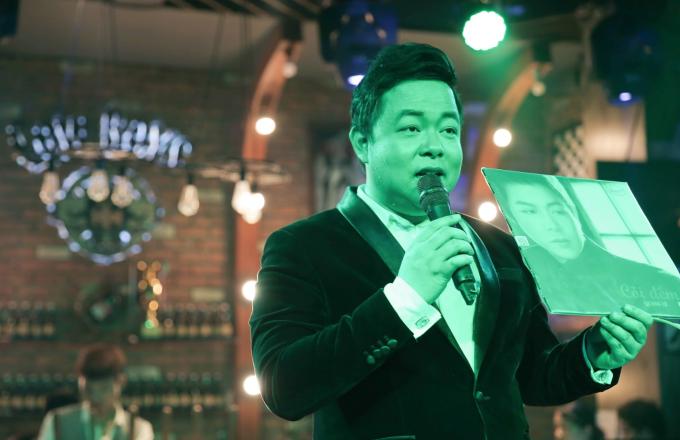 Ca sĩ Quang Lê bán đấu giá đĩa than yêu thích được hội doanh nhân Thanh Hoá ủng hộ 15 triệu đồng. Minishow thiện nguyện được chuẩn bị trong vòng 3 ngày, toàn bộ số tiền thu được trong đêm diễn mang ủng hộ người dân vùng lũ tại huyện Quan Sơn.