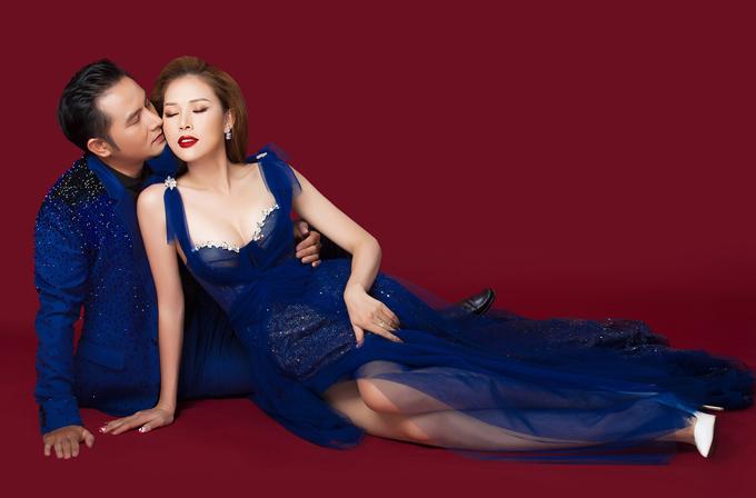 Bộ ảnh do chuyên gia trang điểm Sang Nguyễn và nhà thiết kế Nguyễn Minh Tuấn hỗ trợ thực hiện.