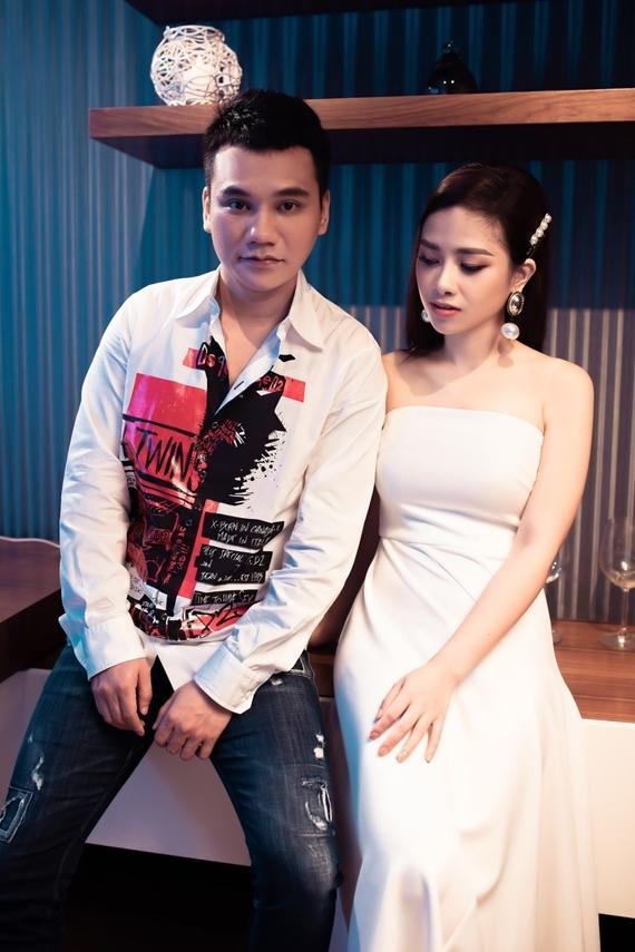 Khắc Việt và Dương Hoàng Yến.