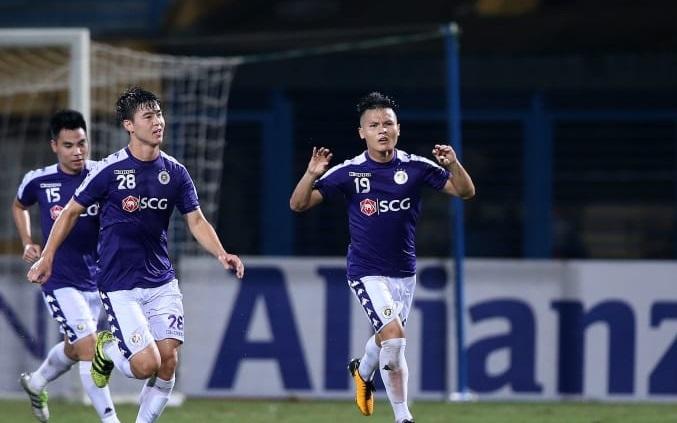 Quang Hải mừng bàn thắng cùng Duy Mạnh và Đức Huy. Ảnh: AFC.