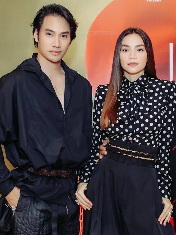 Bạn thân - nhà thiết kế Lý Quí Khánh dành thời gian đến chúc mừng Hồ Ngọc Hà.