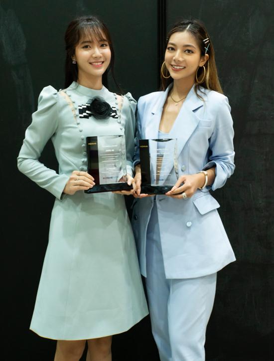 Katleen Phan Võ hội ngộ ca sĩ Jang Mi. Hai người đẹp Việt được chọn đại diện cho những gương mặt trẻ có sức ảnh hưởng ở Việt Nam đến Hàn Quốc học hỏi kiến thức, công nghệ làm đẹp.