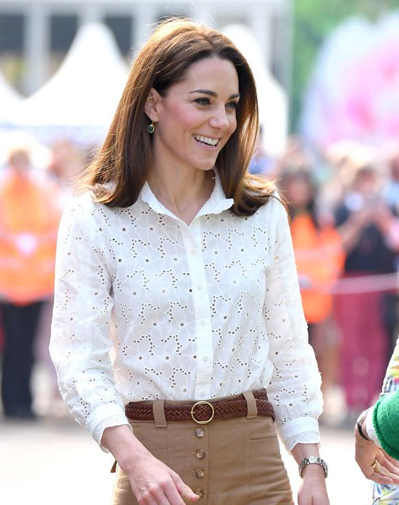 Kate Middleton thường xuyên mix hàng cao cấp với đồ giá rẻ.