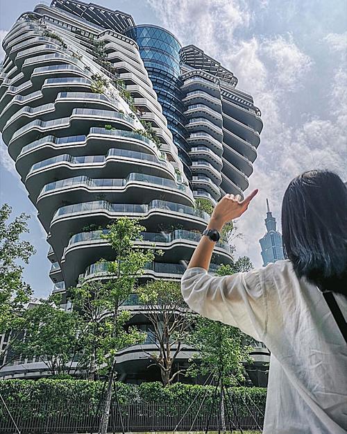Tòa nhà xoắn quẩy - điểm check in mới ở Đài Bắc - 2