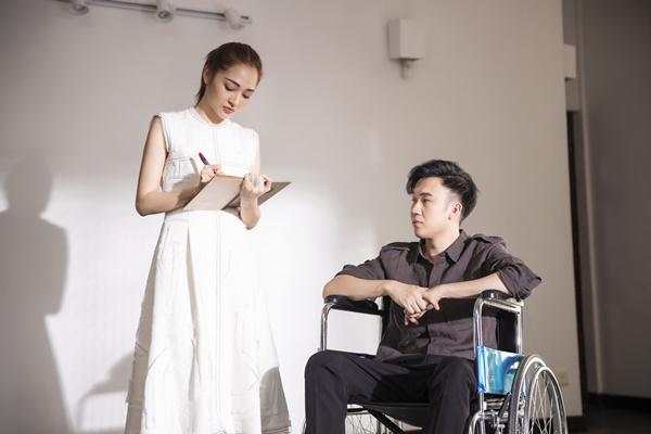 Bảo Anh vào vai bạn thân, giúp Dương Triệu Vũ chữa bệnh.