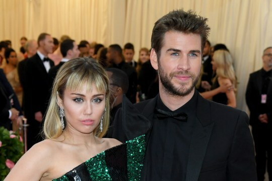 Miley và Liam Hemsworth chia tay sau 8 tháng kết hôn.
