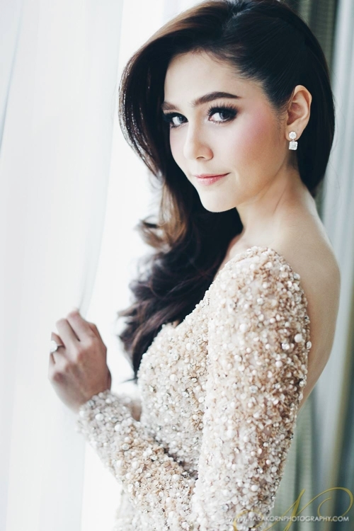 Biến hóa kiểu tóc của Thiên thần nội y Thái Lan - 5