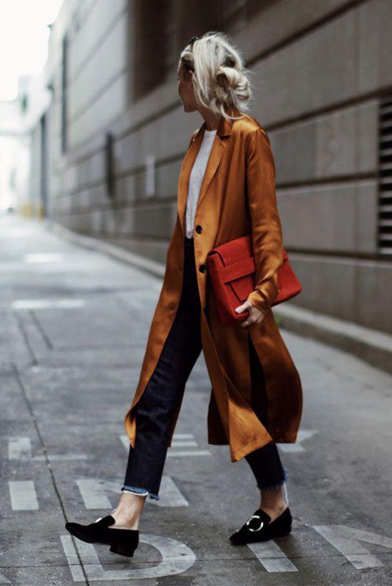Nâu đỏ, nâu ánh đồng là hai tông màu được các fashionista ưa chuộng. Bởi thay vì sự trầm ấm của nâu cổ điển thì hai gam màu này lại dễ tạo sự nổi bật.