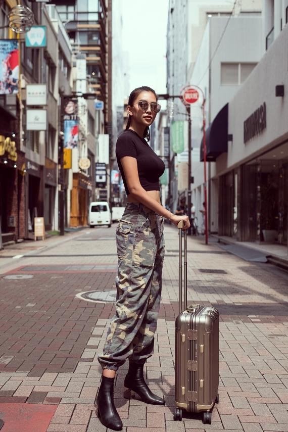 Hoa hậu Tiểu Vy dạo chơi Nhật Bản - 6