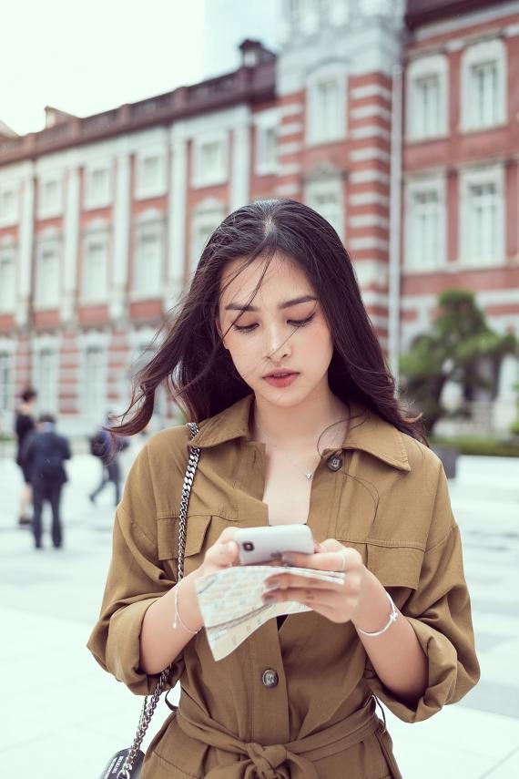 Sau một năm đăng quang Hoa hậu Việt Nam 2018, Tiểu Vy trở thành mỹ nhân được săn đón.