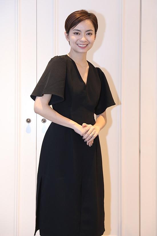 Beauty blogger San Ong sở hữu làn da mịn màng, căng bóng nhờ cách chăm sóc da kỹ lưỡng, lựa chọn sản phẩm phù hợp với loại da của mình.