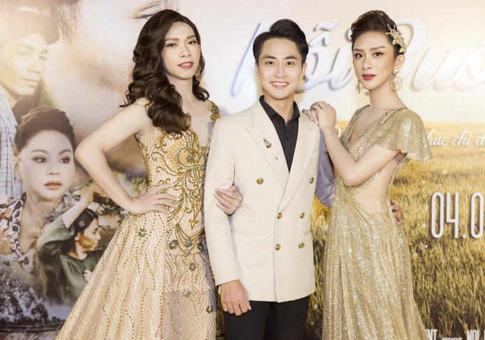 Diễn viên Trịnh Tấn Chung (giữa) đóng cùng Hoài Sơn và Hồng Bảo Bảo trong phim Nỗi buồn mẹ tôi.