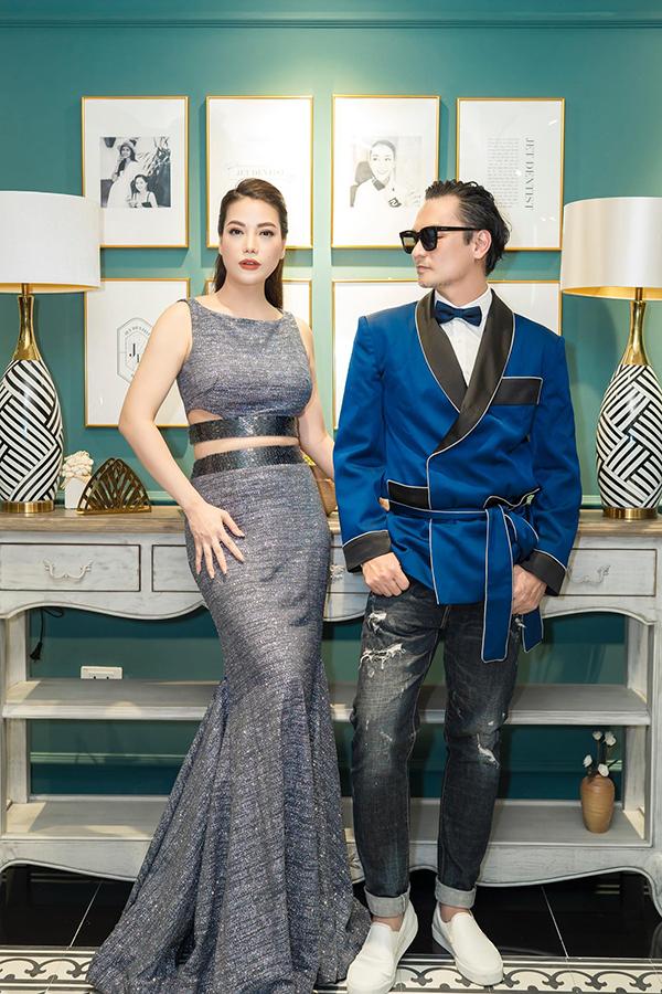 Trương Ngọc Ánh hội ngộ diễn viên Đức Hải. Hai người quen biết từ nhiều năm nay, thường xuyên sánh bước khi tham dự sự kiện giải trí.