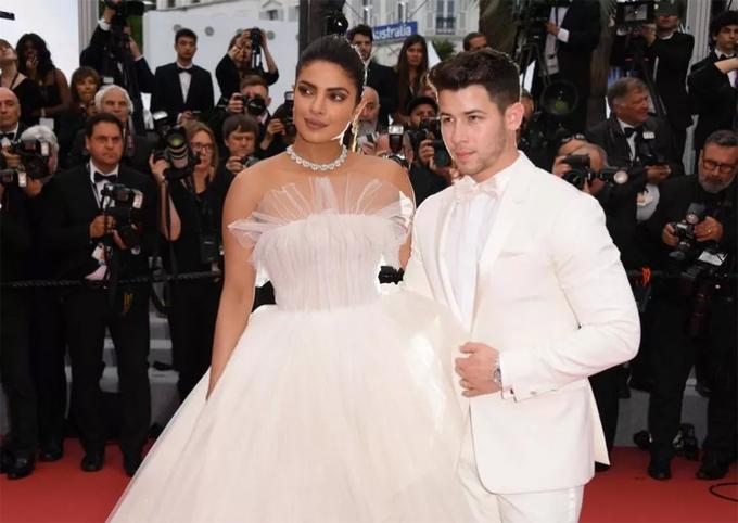 Priyanka và Nick Jonas tại liên hoan phim Cannes 2019.