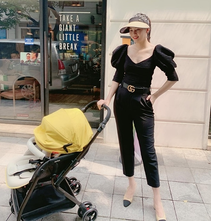 Á hậu Thanh Tú giảm 10 kg trong 2 tuần sau sinh