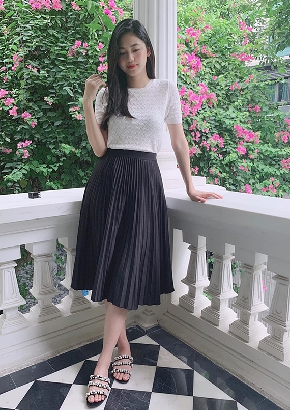 Á hậu Thanh Tú giảm 10 kg trong 2 tuần sau sinh - 5