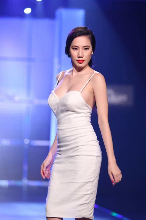 Chung Thục Quyên khi còn làm người mẫu ở Việt Nam.