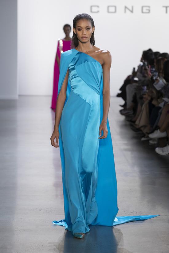 Samile Bermannelli sinh 1998 thuộc lứa những người mẫu đang lên trong làng mẫu quốc tế