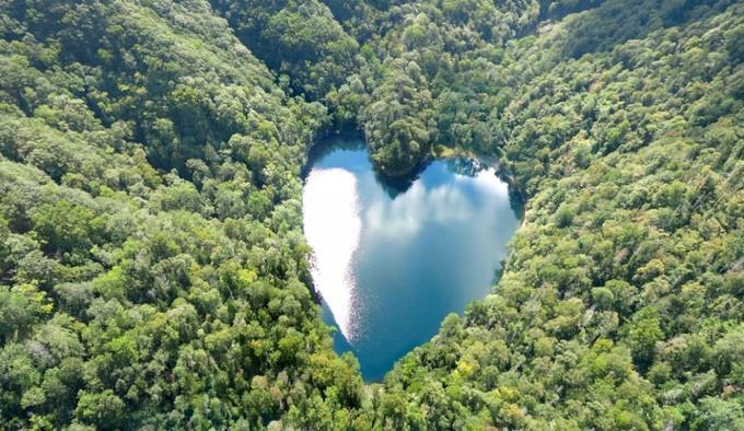 Hồ trái tim Hokkaido lãng mạn