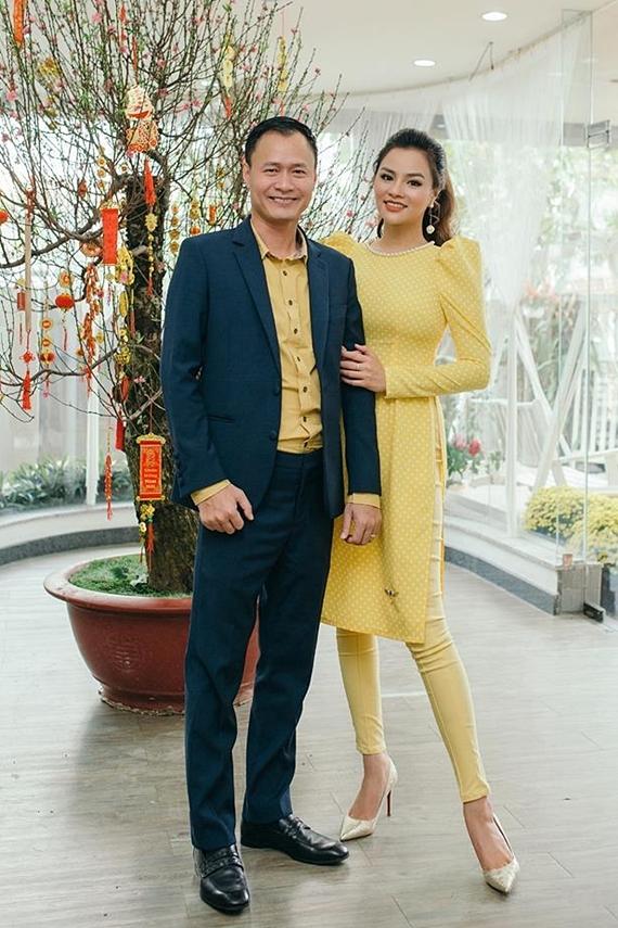 Vũ Thu Phương bên ông xã - doanh nhân Trần Thanh Hải.
