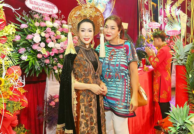 Ca sĩ Cindy Thái Tài ăn mặc giản dị dự buổi lễ tối 10/9.