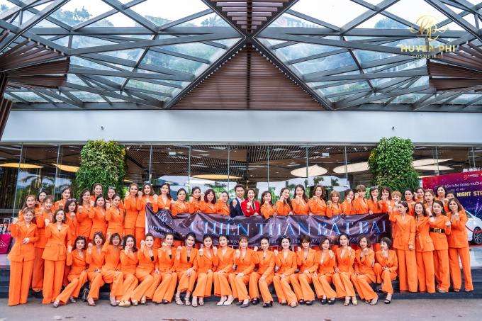 Công ty mỹ phẩm Huyền Phi tổ chức đào tạo nhân viên
