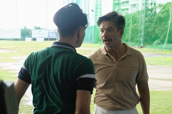 Tuy nhiên, bố (diễn viên Lâm Vissay) của chàng trai ngăn cấm mối quan hệ và chi một số tiền lớn yên cầu cô gái phải chia tay.