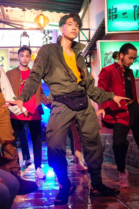 MV do đạo diễn Kawaii Tuấn Anh thực hiện.