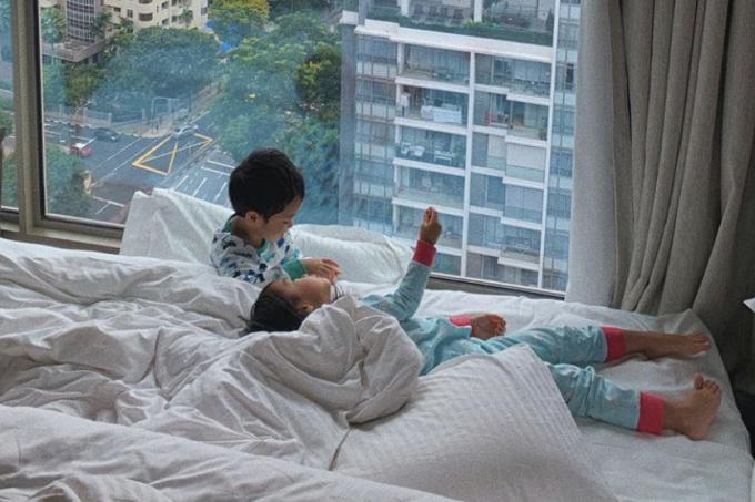 Tăng Thanh Hà cho biết con trai Richard thích đọc sách, vẽ trang. Riêng bé Chloe ngoan ngoãn và giàu tình cảm.