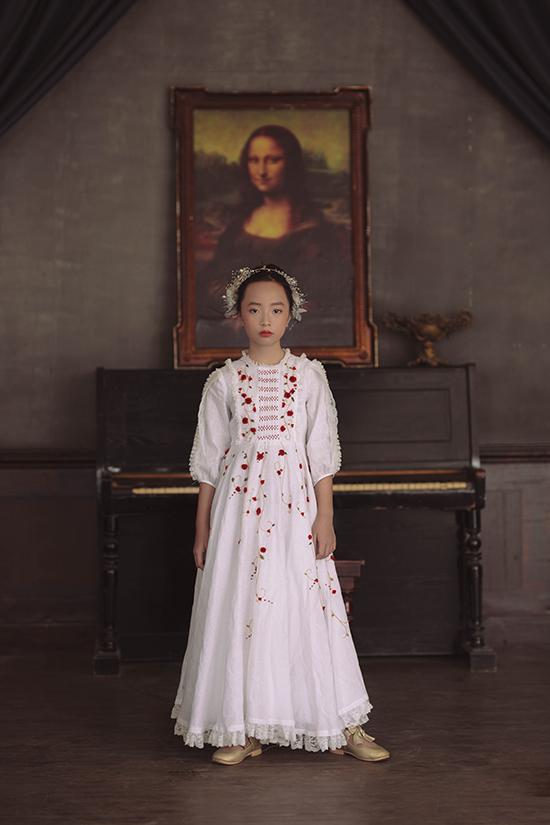 Đầm cổ điển cho bé gái - 1