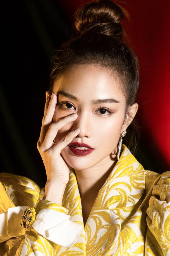 Cùng với top 5 Hoa hậu VN 2018 và giải phụ Người đẹp có gương mặt khả ái, Hồng Tuyết muốn theo đuổi con đường diễn xuất và trở thành diễn viên chuyên nghiệp.