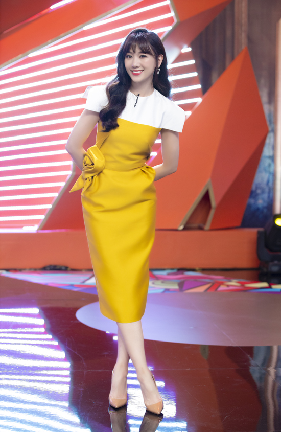 Hari Won nghiện mặc váy Đỗ LongLeada - 1