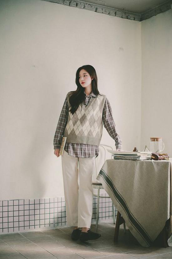 Thuộc dòng thời trang cổ điển, những mẫu áo len vintage vẫn là sản phẩm được lòng phái đẹp.