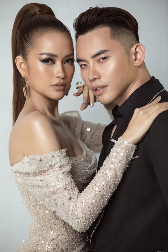 Hoa hậu Hải Dương - người nắm bản quyền hai cuộc thi tại Việt Nam - đánh giá cao Ngọc Châu và Mạnh Khang ở vóc dáng, kỹ năng catwalk, khả năng ngoại ngữ và sự nhạy bén.