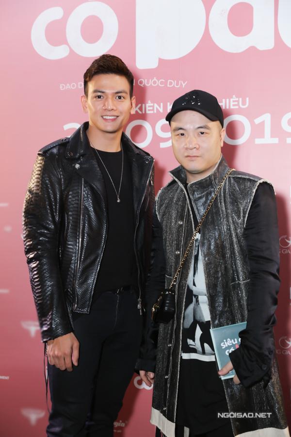 NTK Đỗ Mạnh Cường (phải) đi cùng chàng thơ Lê Xuân Tiền ủng hộ phim của ông xã Lê Thúy.